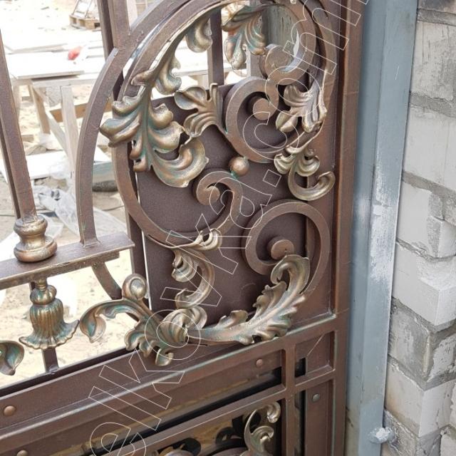 Кованые ворота вид изнутри