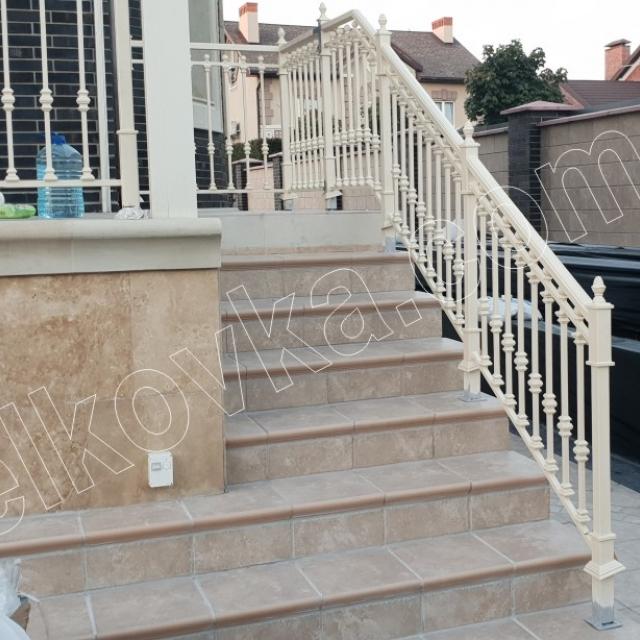 Лестница наружная на террасе