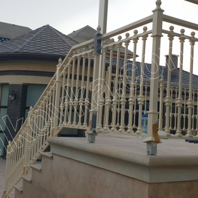 Заборчик и лестница на террасе
