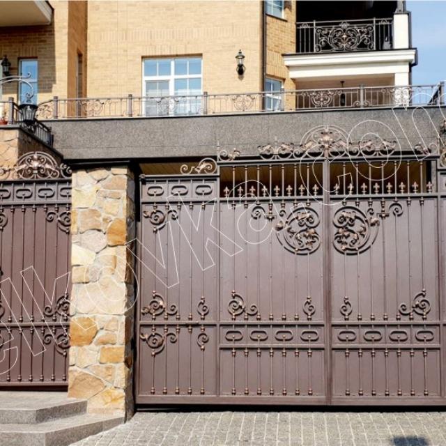 Въездные ворота кованые