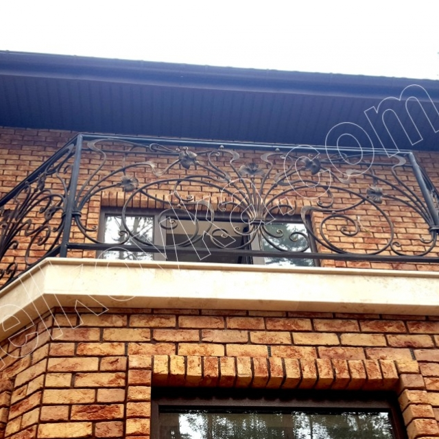 Легкий французский балкон