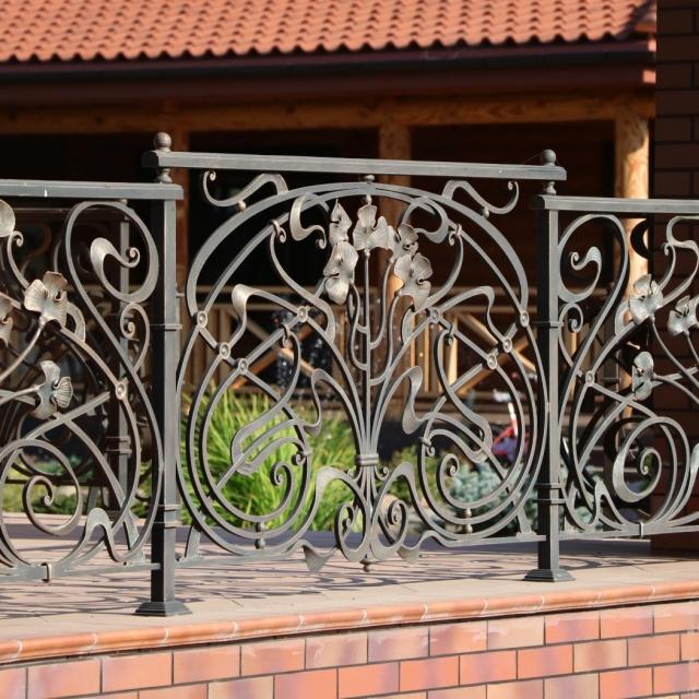 Кованые ворота, кованые балконы, кованый навес. Крюковщина