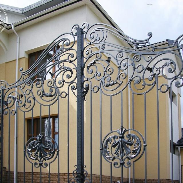 Кованые въездные ворота
